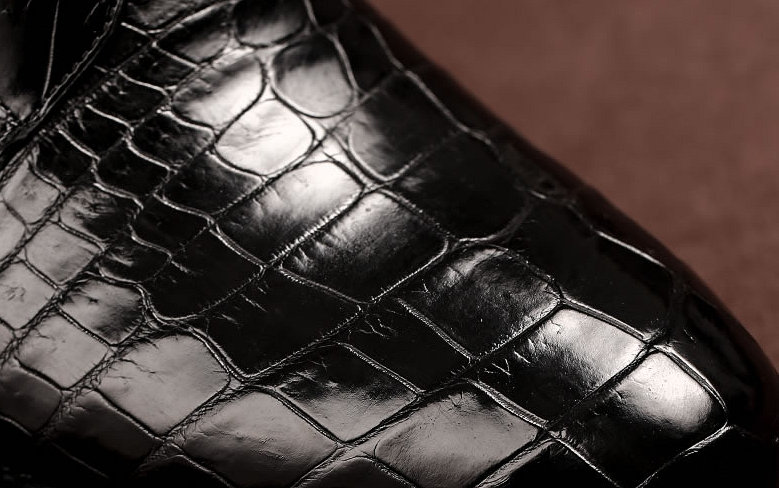 Mens Alligator Skin Lace-up Boots-Detail